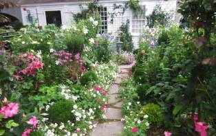 Tremendous Fake Flowers Inexpensive Decorating Ideas Images in Landscape Traditional design ideas