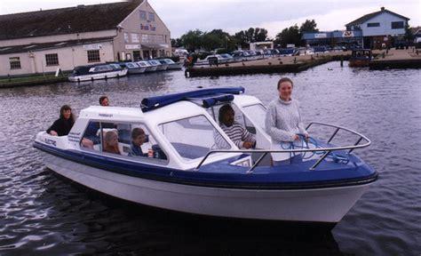 phoenix fleet boats phoenix fleet norfolk broads boat yard east anglia uk