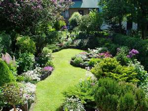 Planting Ideas For Small Gardens Small Garden Ideas Corner