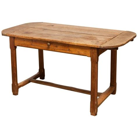 kitchen table with leaves 19th century farmhouse kitchen table with leaves at 1stdibs