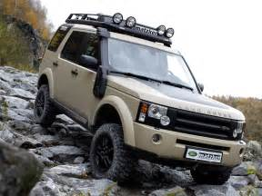 2004 land rover discovery road image 70