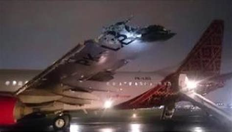 batik air medan halim video ground collision between two passenger planes at