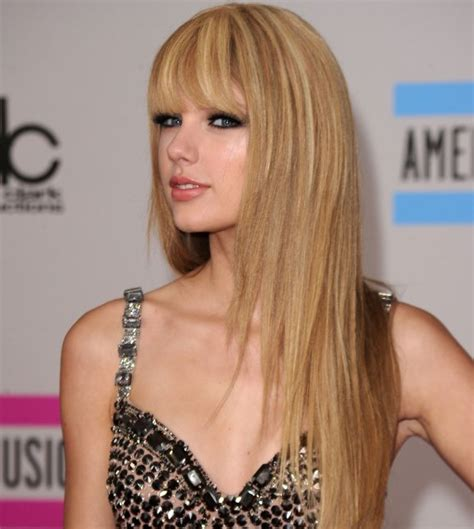 pictures of taylor swift with straight hair and bangs and bob taylor swift bangs