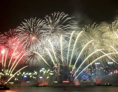 when are the new year fireworks in hong kong 2015 fireworks explode harbour during the new