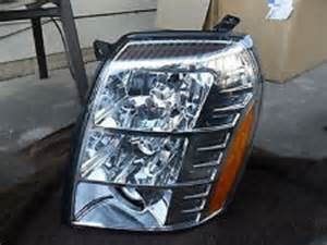 2007 Cadillac Escalade Headlight Assembly Cadillac Escalade 2007 2008 2009 07 08 09 Driver Side