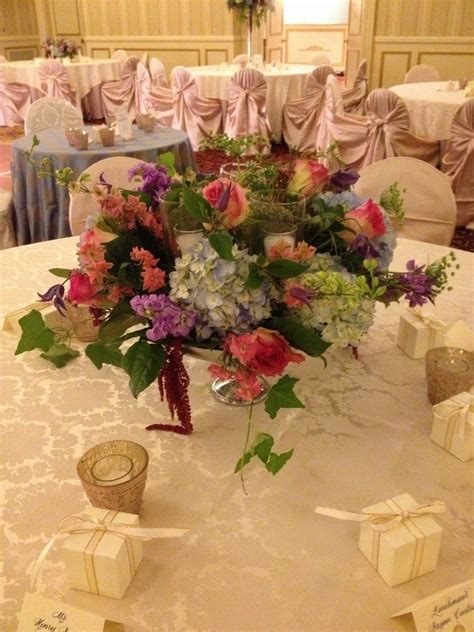 draping flowers for weddings draping flowers wildflower centerpieces table flower