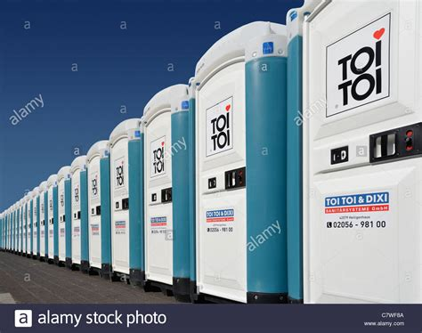 Mobiel Toilet Auto by Dixi Stockfotos Dixi Bilder Alamy