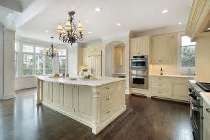 Kitchen Colors With Cream Cabinets by 27 Beautiful Cream Kitchen Cabinets Design Ideas