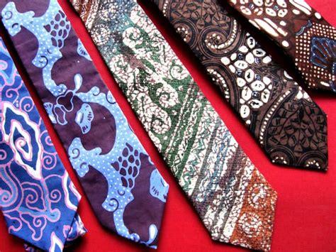 Dasi Pria Uk8cm Motif Batik jual dasi batik adalusia