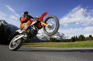 Ktm Wheelie 2010 Ktm 690 Enduro R Enduro Wheelie Wallpaper 1680x1117