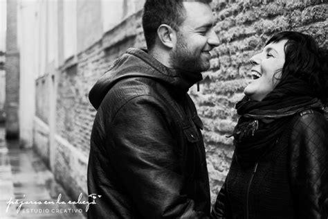 imagenes blanco y negro de parejas dos por la ciudad fotograf 237 as de pareja
