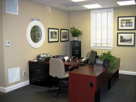 Ideas For Decorating An Office Office Decor Ideas For Work Home Designs Professional Office Office Decorations Ideas