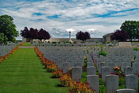 serre road cemetery no 3 file serre road cemetery no 2 somme france 2117 1