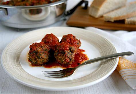 polpette di carne e spinaci al pomodoro fresco ricetta