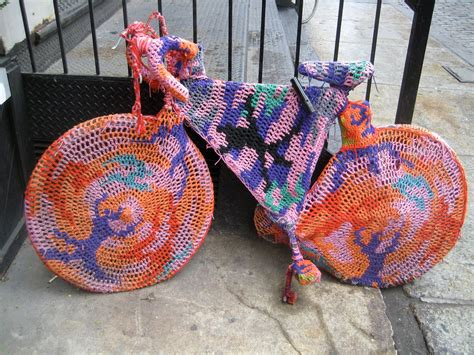 new york knitting stores d c commute yarn bombing and bicycles