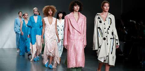 della moda calendario sfilate fashion week pe 2018 il calendario delle sfilate di