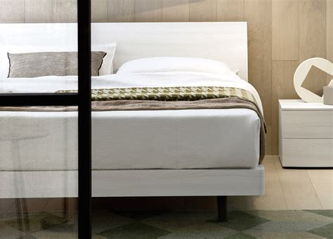 Bend Mattress Stores by Bend White Bed Modern Beds Beds White Beds