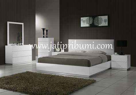 Tempat Tidur Napoli Frozen set tempat tidur minimalis naples jati pribumi