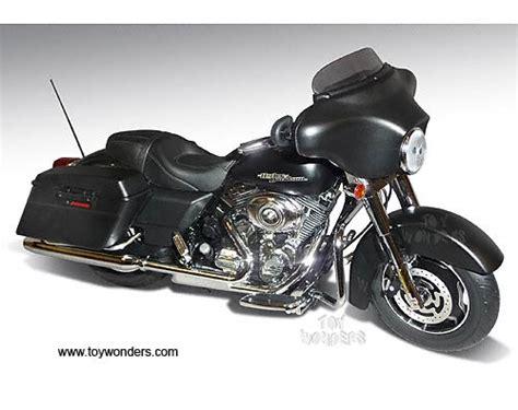 Harley Davidson Diecast by 2012 Harley Davidson Flhx Glide Motorcycle By Die