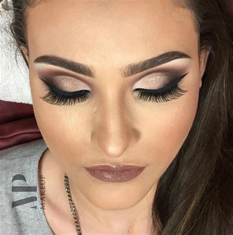 Makes Makeup by Modatrade Tutorial New Cut Delineado Gatinho Por