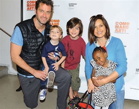 Mother In Law Daughter In Law Relationship by Mariska Hargitay Family Pictures Husband Kids Father