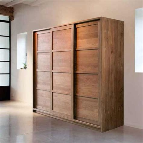 Custom Wood Closets by 25 Best Ideas About Solid Wood Wardrobes On