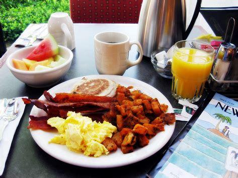 fairfield inn suites now serving free breakfast