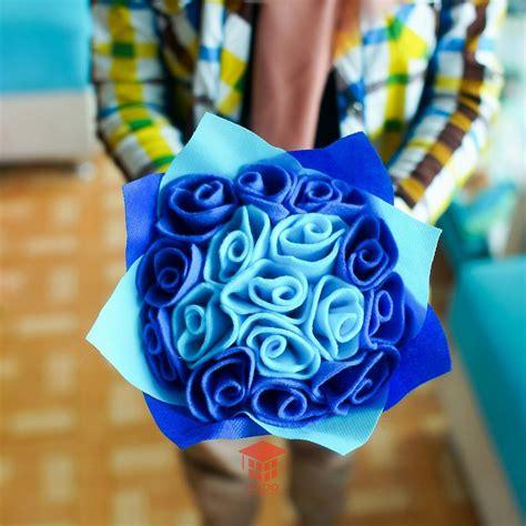 Buket Bunga Biru jual bunga wisuda tulip biru murah kado wisudaku