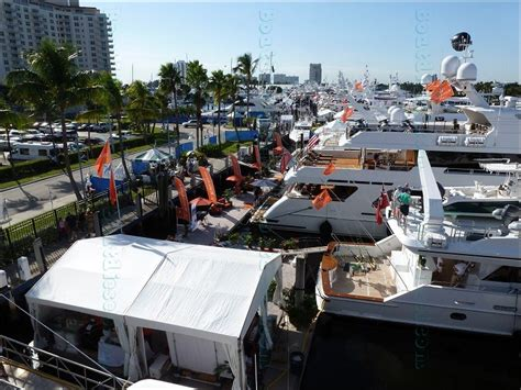 fort lauderdale boat light show fort lauderdale international boat show 2014 by