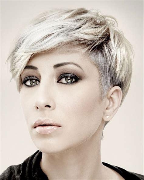 moda di capelli corti taglio capelli corti moda 2017