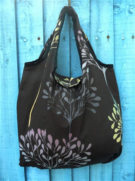 pattern for fold up tote bag crafty ady the fold away shopping bag tutorial
