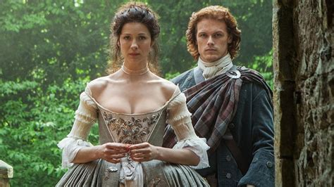 25 swoony outlander moments to celebrate world outlander day screener