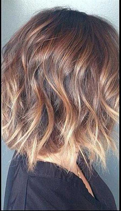 dirty blonde ombre short side view of short wavy haircut for fine wavy hair with