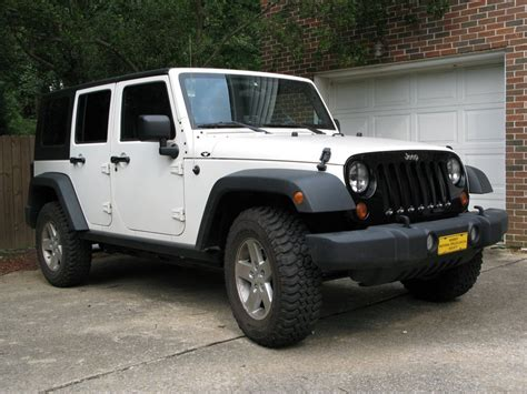 White Jeep Wrangler With Black Grill Black Grille On White Rubicon Unlimited