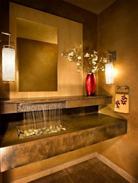 Incroyable Creer Une Salle De Bain #1: idee-deco-salle-de-bain-deco-zen-salle-de-bain-bambou-vase-rouge-flers-murs-beiges.jpg