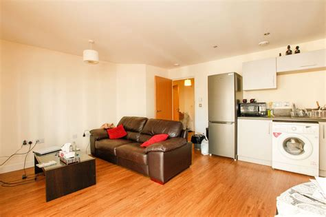 1 bedroom flat for rent london london 1 bed flat maple quays se16 to rent now for 163