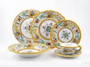 raffaellesco dinner plates handmade deruta dinnerware thatsarte com
