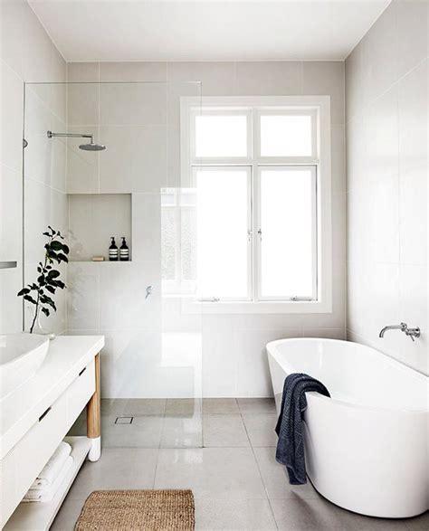 Simple Modern Bathroom Designs by Best 25 Simple Bathroom Ideas On Simple
