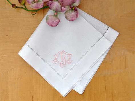 monogrammed linen napkins set of 4 monogrammed linen dinner napkins w 3 initials font b