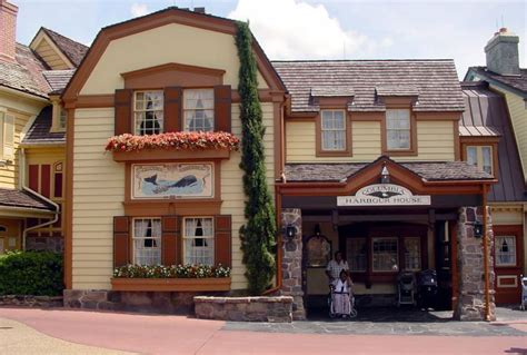 columbia harbour house columbia harbor house disney dining disney dining