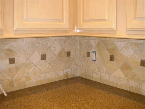 how to install travertine tile backsplash best 25 travertine backsplash ideas on