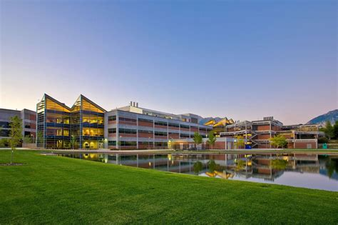 How Big Is 800 Sq Ft by Utah Valley University New Science Building Big D