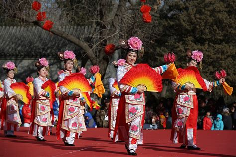 how is new year celebrated in china china celebrate the lunar new year of the