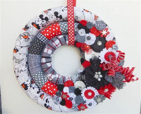 Wreath Diy Triple Wrapped Wreath With Mickey And Minnie Mouse Theme