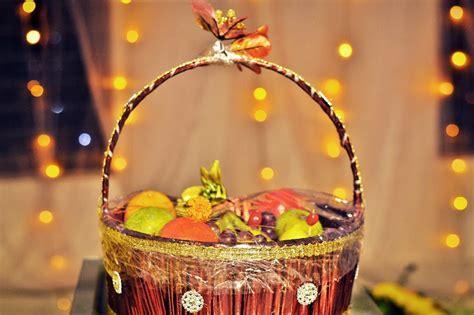 Bengali Wedding Guide: Gaye Holud Food Dala Decoration Ideas