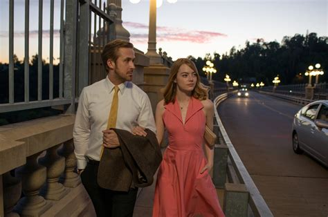 emma stone ryan gosling interview emma stone sings in new trailer for la la land with ryan