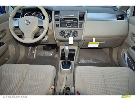 2008 nissan versa interior 2008 nissan versa hatchback interior pictures to pin on