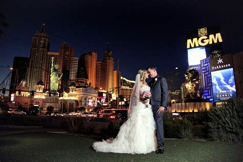 Wedding Vegas by The Ultimate Guide To Getting Married In Las Vegas