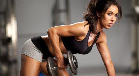 alimentazione per palestra donne allenamento donne lo strano rapporto tra la donna e la