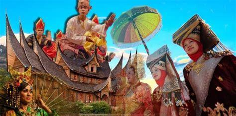 suku minangkabau sejarah bahasa pakaian  rumah adat